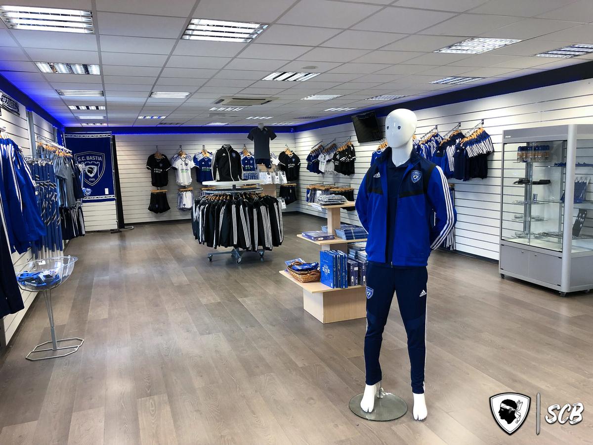 Les produits SCB Adidas disponibles en boutique dès demain