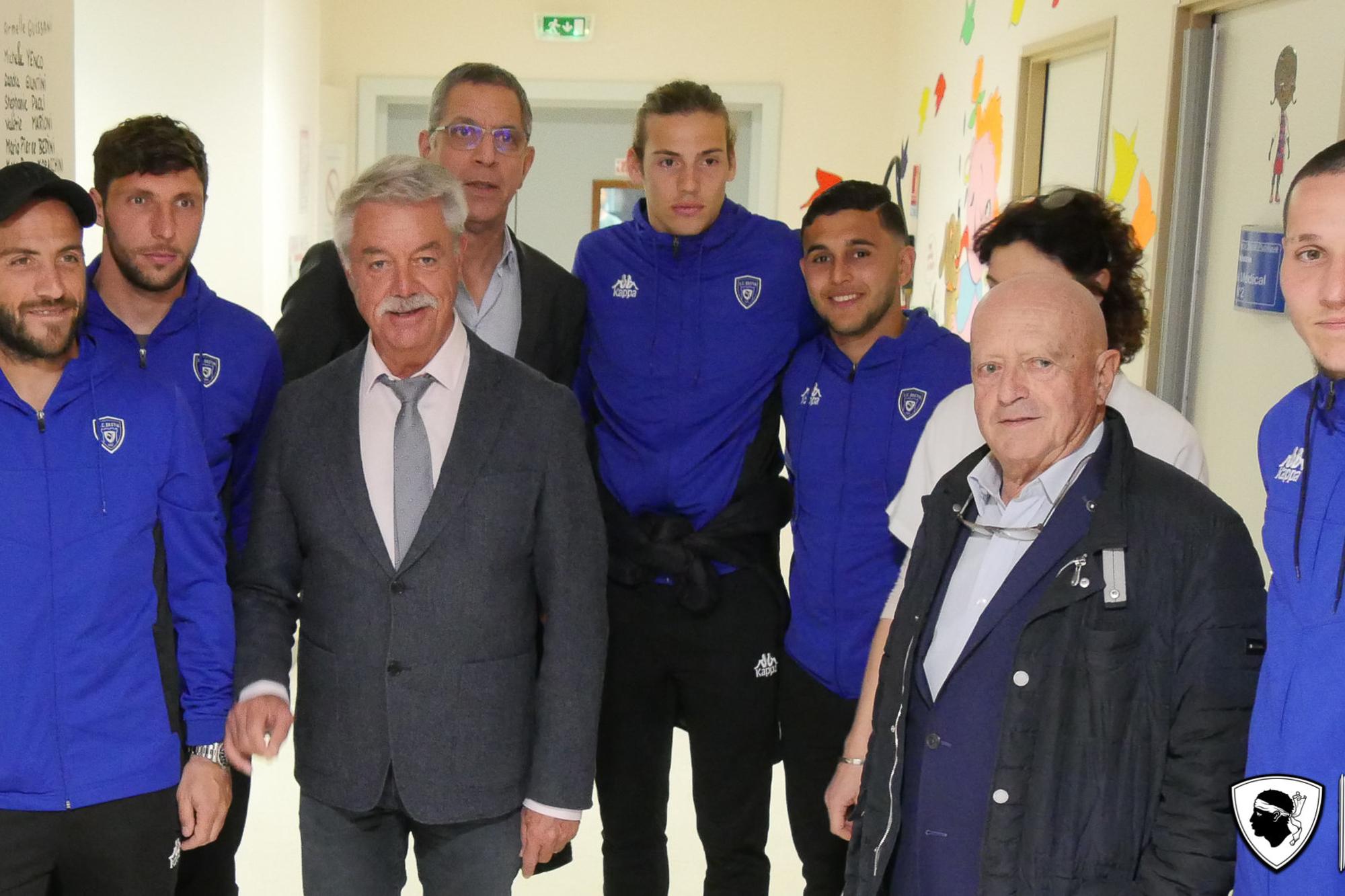 Les Bleus en visite au service pédiatrique de l'Hôpital